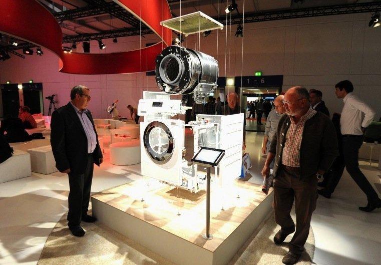 Waschmaschinen werden immer sparsamer und lassen sich längst per WLAN ins Netz des Smarthomes einbinden.