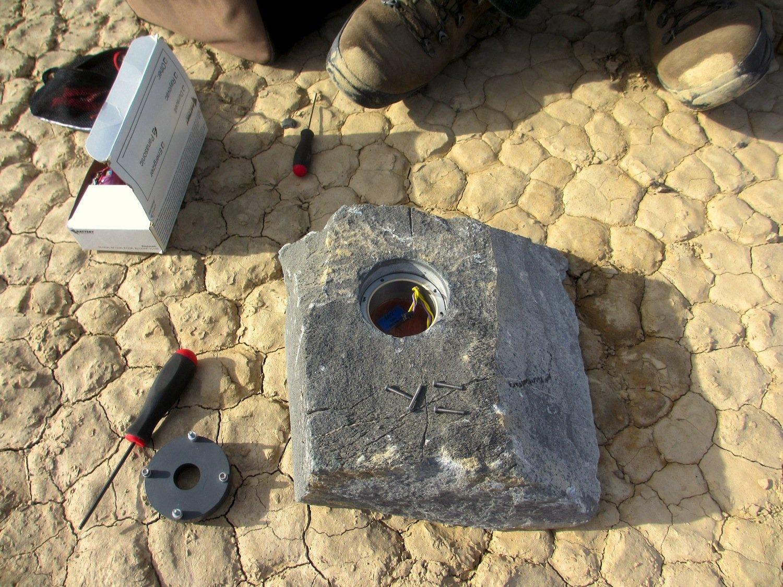 Die Forscher aus San Diego haben 15 Steine mit GPS-Sendern ausgestattet, um ihre Bewegungen verfolgen zu können.