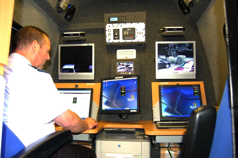 Verkehrsüberwachung der Polizei in North Yorkshire: In einem lokalen Überwachungszentrum laufen die Aufnahmen der Kameras an Polizeiautos zusammen. Künftig werden alle Bilder von Überwachungskameras in London zentral erfasst.