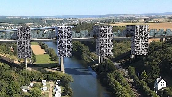 Die Brücke der Zukunft: Unternehmer Albert Egenolf plant, die marode Lahntalbrücke der A3 in Limburg mit futuristischen Wohnwaben zu ummanteln. Davon sind nicht alle Bürger Limburgs begeistert.