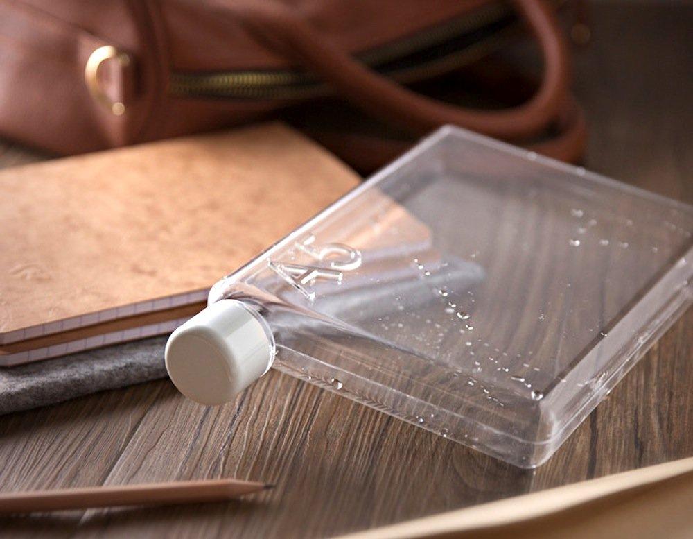 Die Memobottle gibt es in drei Größen: Die Flasche ist so stabil und dicht, dass man sie sogar gemeinsam mit einem Laptop transportieren kann. Das versprechen jedenfalls seine Erfinder.