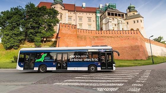 Dresden testet die Schnellladung an Elektrobussen des polnischen Herstellers Solaris Bus. Die Lithium-Ionen-Akkus haben eine Kapazität von 150 Kilowattstunden.