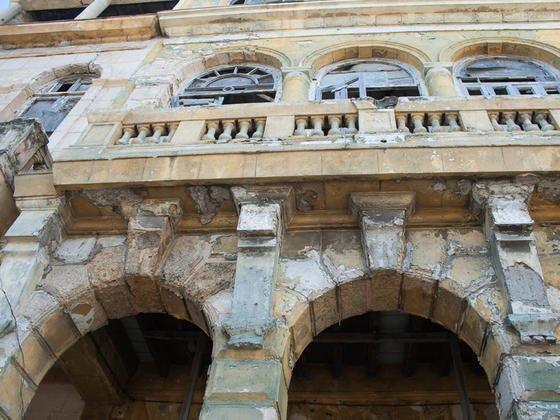 Salz macht den Gebäuden in der Altstadt von Havanna, die am Meer liegt, zu schaffen.