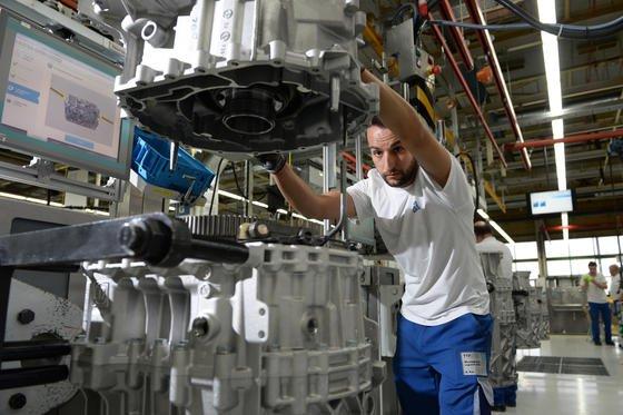 Für den süddeutschen Getriebespezialisten ZF Friedrichshafen ist das TRW-Produktportfolio eine Stärkung für den Zukunftsmarkt: Das US-Unternehmen entwickelt Video- und Radarsysteme für selbstfahrende Autos.