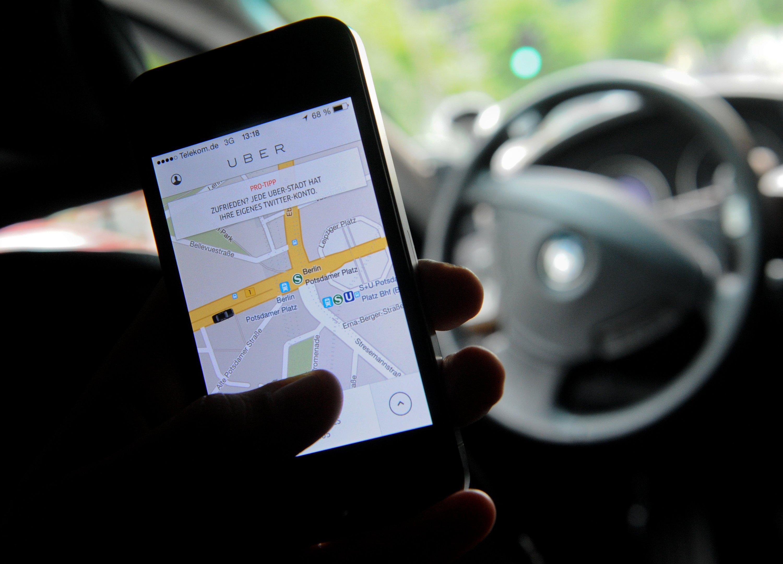 """Die Stiftung Warentest warnt eindringlich davor, sich mit Uber einzulassen. """"Wer als Fahrer für Uber Taxi spielt, riskiert bei einem Unfall bis zu 5000 Euro Regress"""", so die Verbraucherorganisation."""