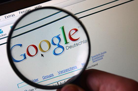 Absoluter Platzhirsch: Google wickelt in Europa Google deutlich mehr als 90 Prozent aller Suchanfragen ab