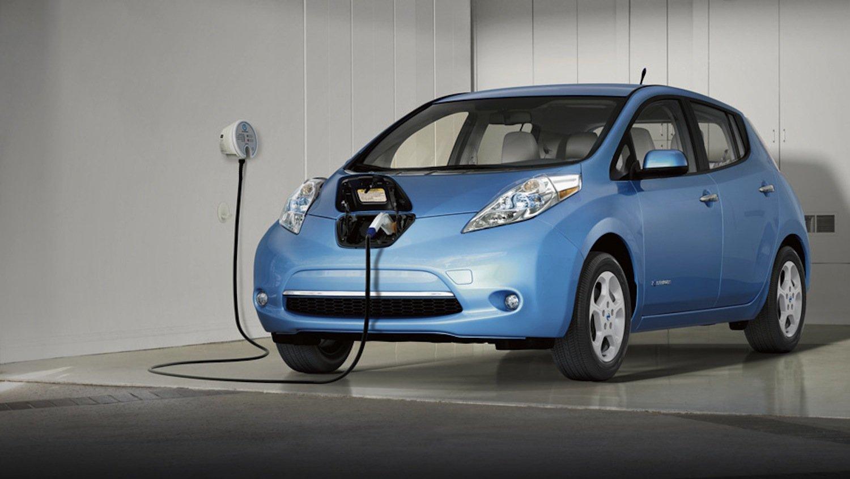 Günstig wird für die Stadtbewohner auch der Nissan Leaf: Das Elektroauto kostet dank staatlicher Förderung nur 7450 statt 23.790 Euro.