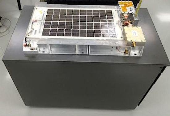 Der vonder Luxemburger OHB-Tochter LuxSpace gebaute Minisatellit soll im Oktober zum Mond fliegen.