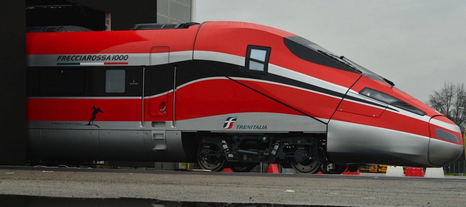 Der italienische Hersteller Ansaldobreda zeigt den ETR 1000: Der Hochgeschwindigkeitszug bringt es auf eine Höchgeschwindigkeit von bis zu 400 km/h.