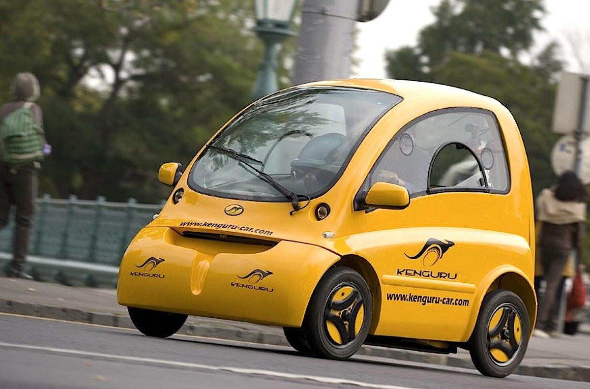 Das Kenguru Car wird von zwei Radnabenmotoren angetrieben. Die Reichweite liegt bei 110 Kilometern.
