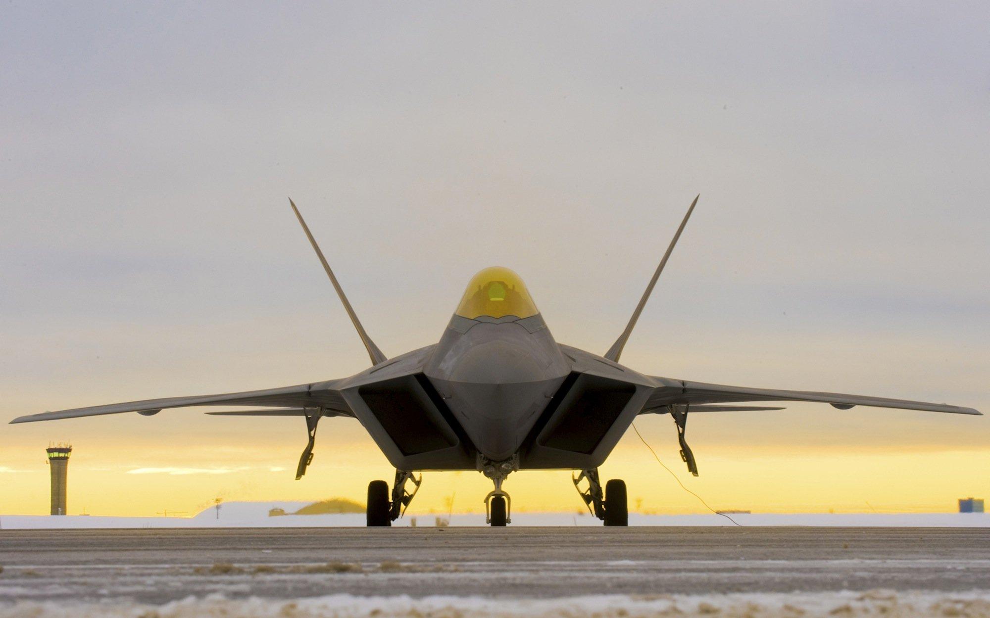 Das Kampfjet F-22 Raptor auf einer Airbase in Alaska: Entwicklung und Produktion von knapp 200 Flugzeugen haben 77 Milliarden Dollar gekostet. Die Produktion ist inzwischen eingestellt.