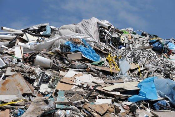 Deponie und Müllhalde: Noch Jahrzehnte nach der Schließung einer Deponie befindet sich unter der Erde noch rund 20 Prozent reaktionsfähiges Material.