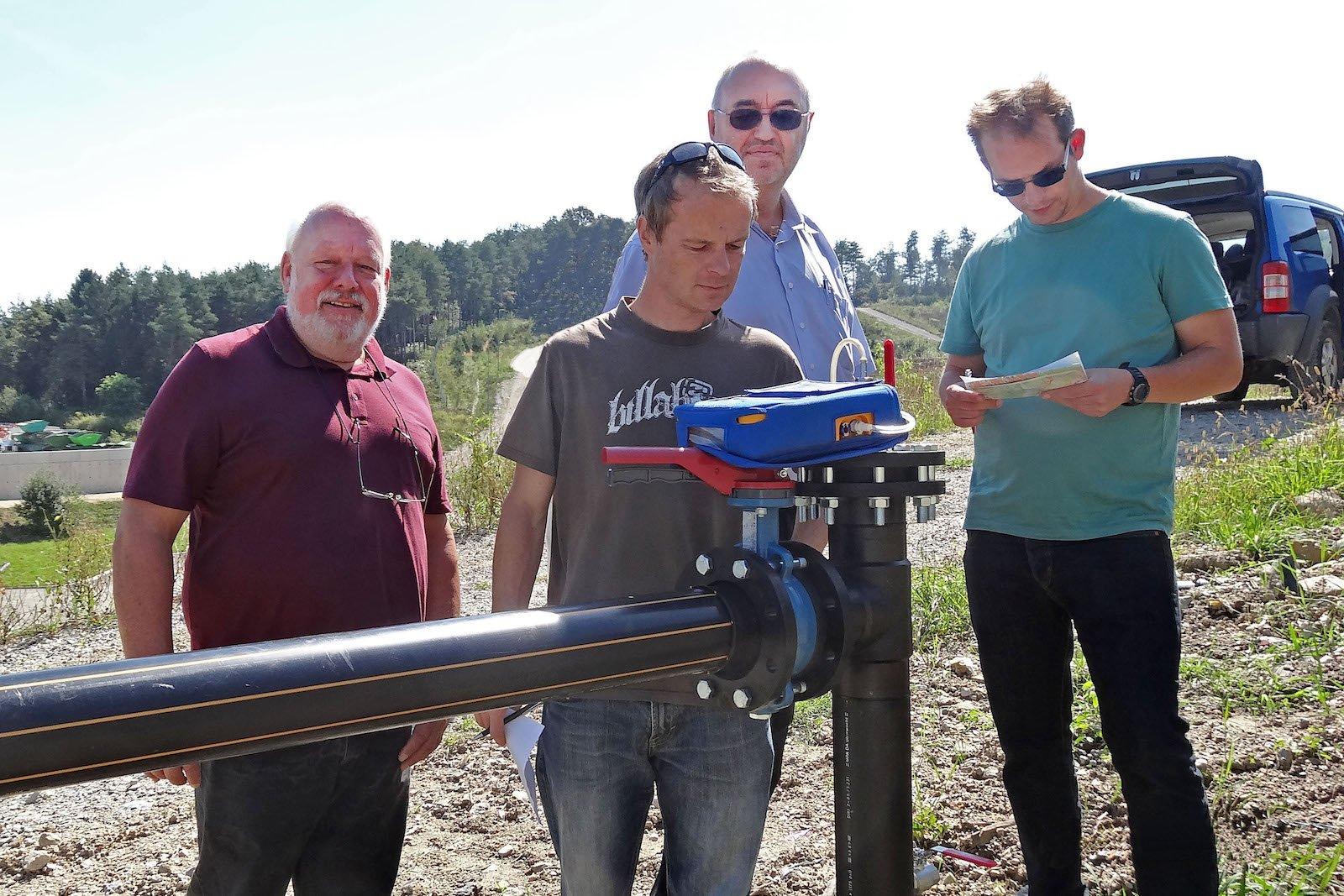Messung an einem Gasbrunnen auf der Deponie in Celje.