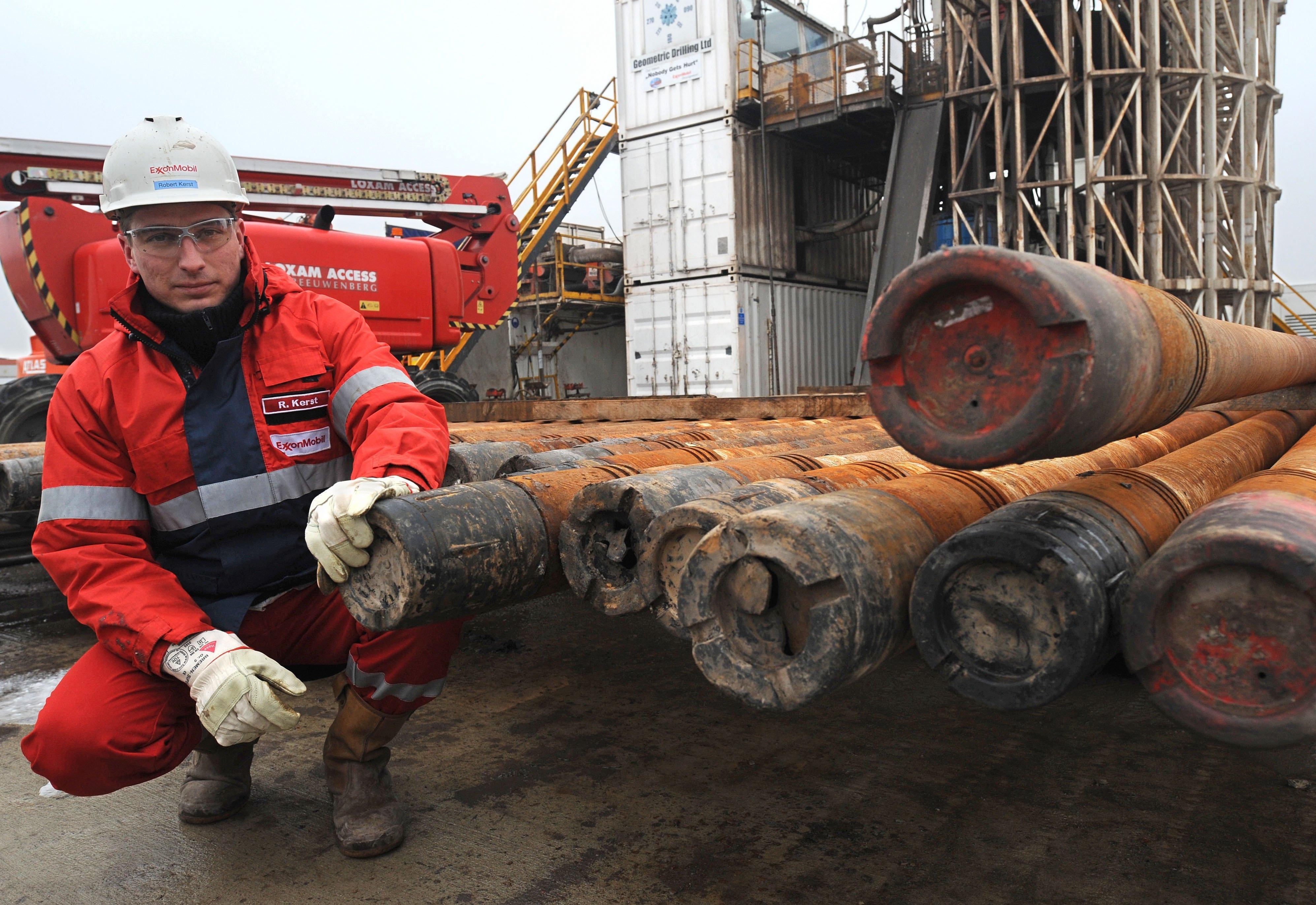 Erdgasprobebohrung des Energieerzeugers ExxonMobil in Lünne im Emsland: Schon seit den 1990er Jahren wird Fracking in Deutschland genutzt, um in Niedersachsen Gas aus Sandsteinschichten zu gewinnen.