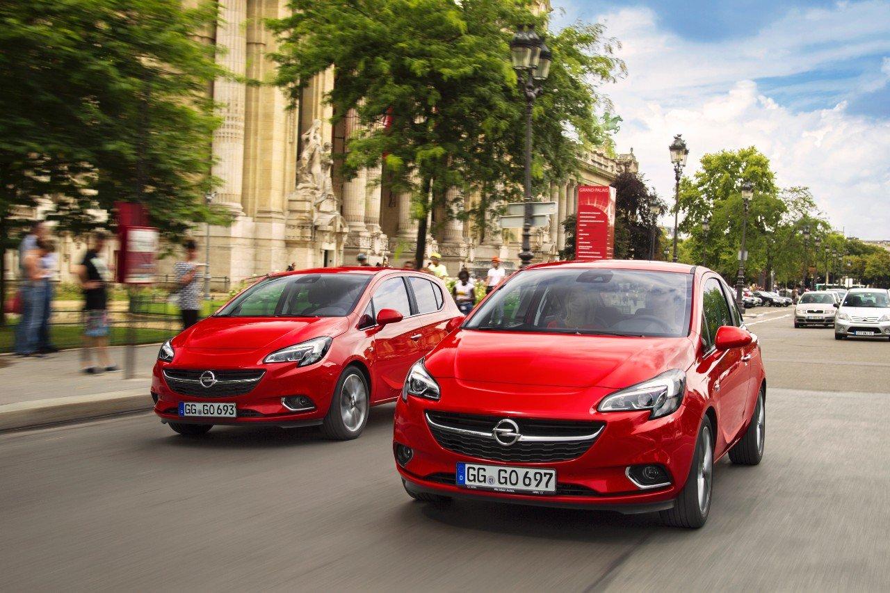 Auch viele Opel Corsas müssen zurück in die Werkstatt. Opel hat eine Hotline eingerichtet und kontaktiert die betroffenen Autobesitzer.