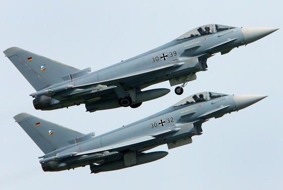 Würde ein baltisches NATO-Mitglied angegriffen, müsste die Bundeswehr der NATO 60 Kampfjets vom Typ Eurofighter zur Verfügung stellen. Doch nur 42 sind einsatzbereit – der Rest steht in der Werkstatt.