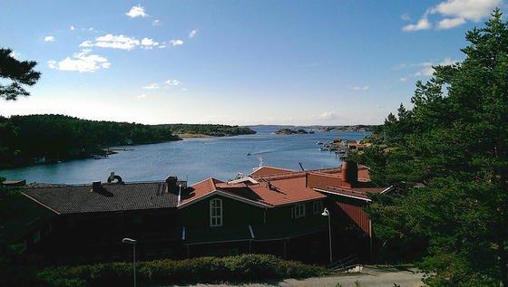 Nicht nur Idylle pur: Die schwedische Forschungsstation vor Tjärnö bietet neben der guten Erreichbarkeit per Göteborg-Fähre hervorragende Bedingungen, um neue Techniken im offenen Meer zu testen, bevor sie ihren Einsatz im Atlantik antreten.