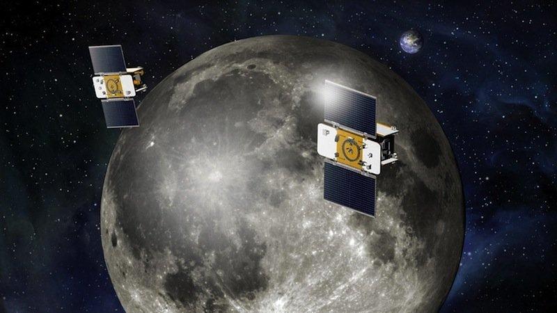 Das Besondere der GRAIL-Mission: Die beiden Sonden Ebbe und Flut umkreisten den Mond in einem sehr geringen Abstand zu seiner Oberfläche. Im ersten Teil der Mission betrug der nur etwa 60 Kilometer.