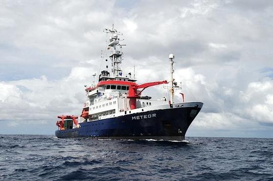 Das Forschungsschiff METEOR sticht am 10. Oktober in See. Ziel sind die Plattengrenzen vor Sizilien.
