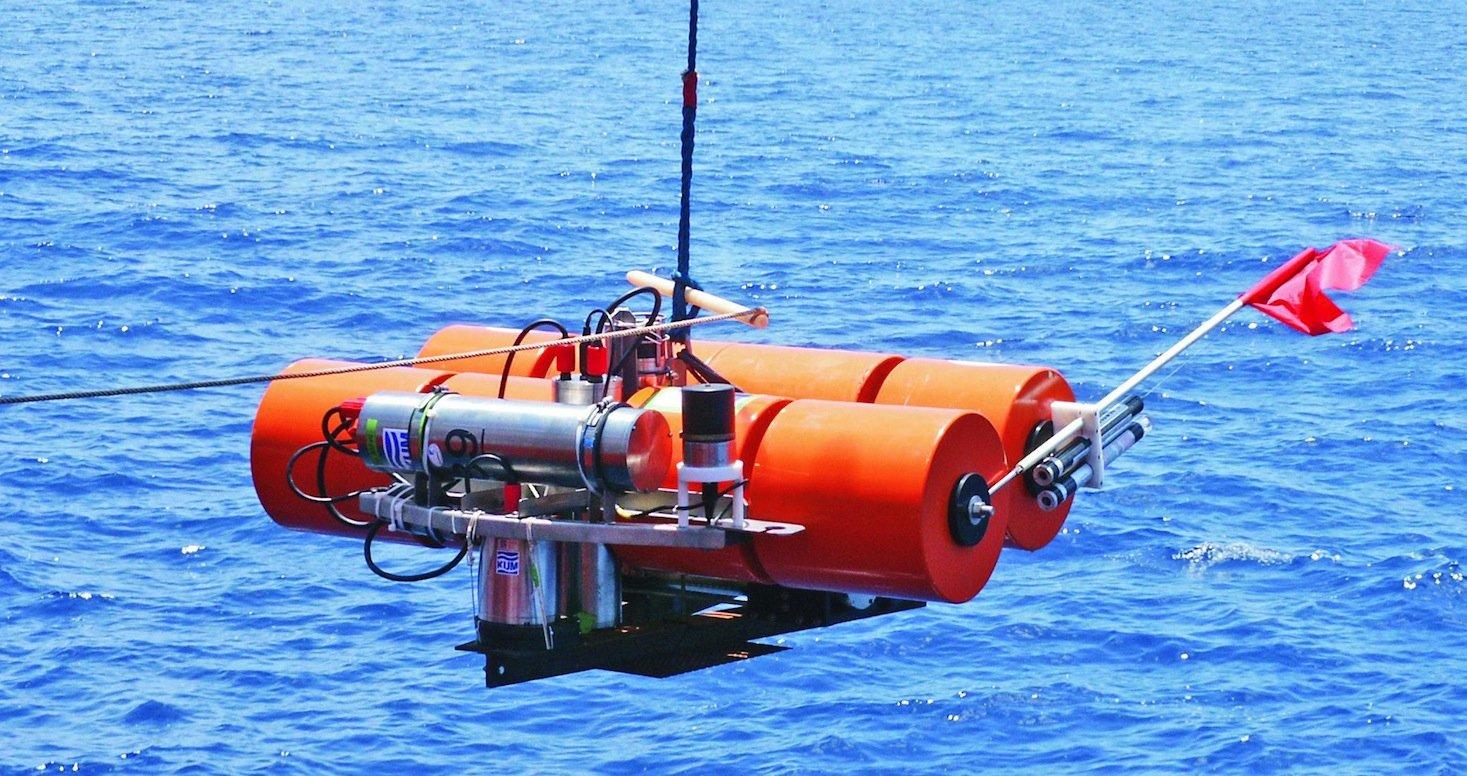 Die Ozeanbodenseismometer reagieren auf feinste Erschütterungen am Meeresboden.