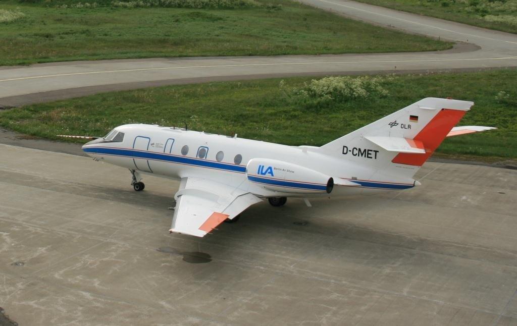 Fliegender ILA-Botschafter: Der Atmosphärenforscher Falkon-20 des DLR wirbt bei seinen Forschungsflügen weltweit für die Berlin Air Show.
