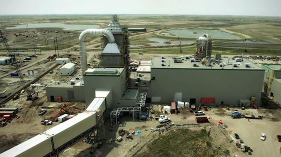Die Pilotanlage des kanadischen Energieunternehmens SaskPowerCCS verhindert die Emission von einer Million Tonnen CO2 pro Jahr. Die Baukosten betrugen 1,4 Milliarden US-Dollar.