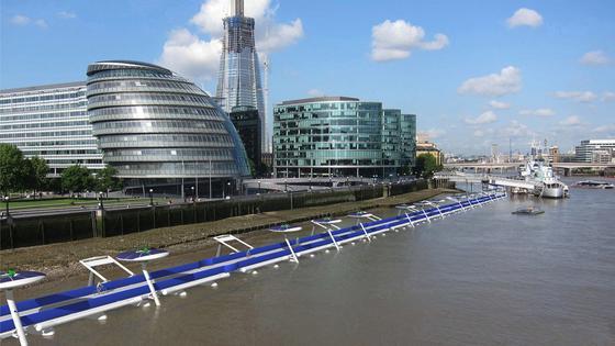 Der Bau des schwimmenden Radwegs über der Themse würde rund 760 Millionen Euro kosten.Dem Konsortium schwebt eine Maut von etwa 1,90 Euro pro Strecke vor.