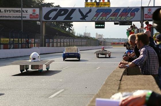 Jungingenieure holen Europatitel für Bochumer Solar-Rennwagen