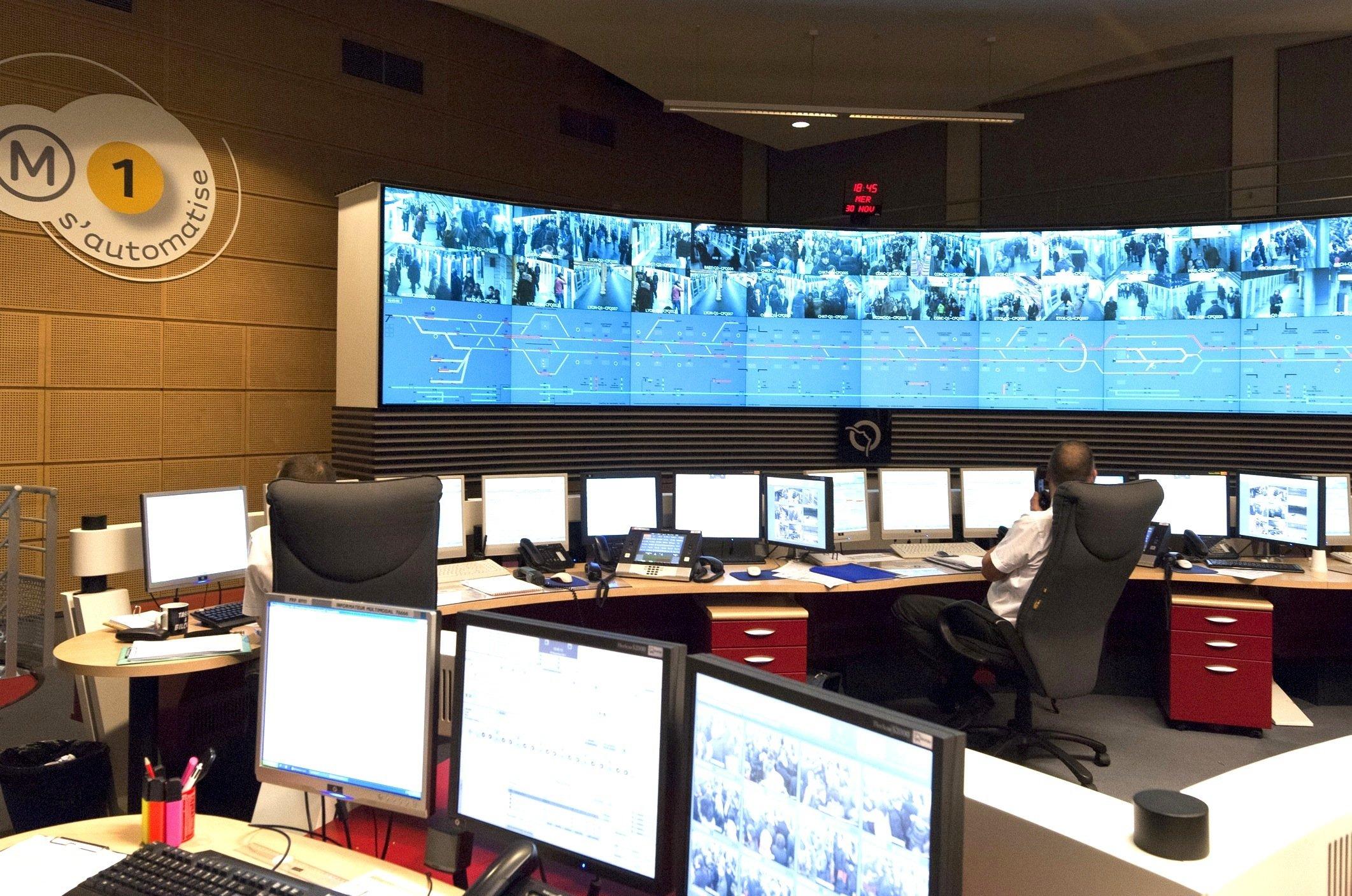 Jede Bewegung der fahrerlosen Metro-Züge wird im Kontrollzentrum überwacht.
