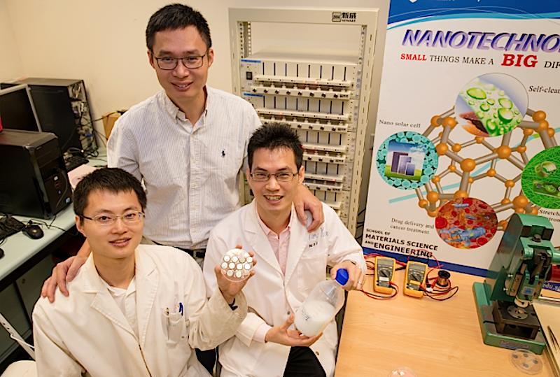 Der Trick des Forscherteams um Prof.Chen Xiadong: Statt einer klassischen Anode aus Graphit haben die Forscher eine Anode aus Titandioxid-Gel gebaut.
