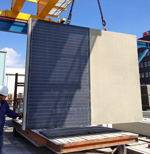 Die rechteckigen Betonmodulesind zweieinhalb mal dreieinhalb Meter groß. Darin befinden sich die Solarzellen aus Silizium, darüber liegt Schicht aus Glas.