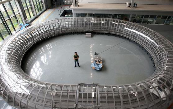 Teströhre in der Southwest Jiatong University. Bisher raubt der Luftwiderstand Magnetzügen zu viel Energie. Das soll sich durch ein Vakuum ändern.