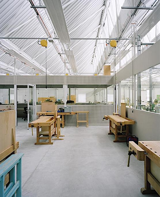 Ausbildungszentrum des Baumeisterverbandes von innen.