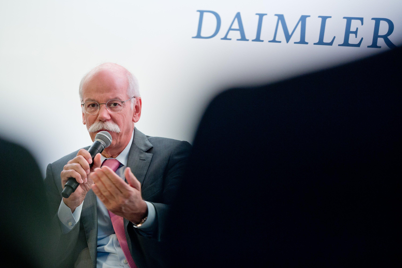 Daimler-Chef Dieter Zetsche will die Zusammenarbeit mit Tesla bei den Fahrzeugprojekten fortsetzen.