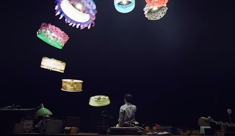 Drehort für das Video war die Flying Machine Area. Dort präsentiert die ETH Zürich normalerweise Zuschauern neue Drohnen.