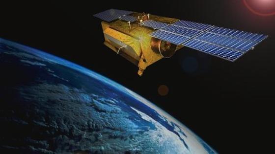 Das SARah-Gesamtsystem besteht aus drei Satelliten und zwei Bodenstation.
