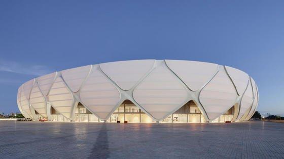 Der Entwurf des Stadions von Manaus ist von der tropischen Umgebung inspiriert und sieht als Dach und Fassade eine Metallkonstruktion vor, die einem typischen Strohkorb der Region nachempfunden ist.