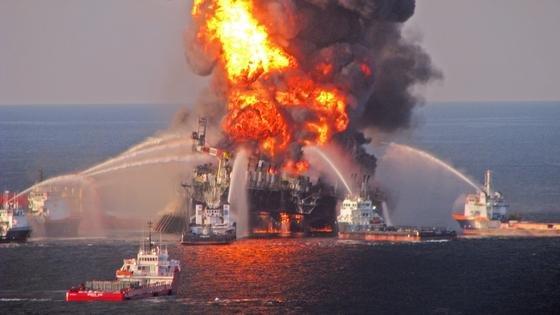 Am 20. April 2010 explodierte die BP-Ölplattform Deepwater Horizon. Laut neuer Studie strömten fünf Millionen Barrel Öl ins Meer, zwei Millionen haben sich auf dem Grund abgelagert.