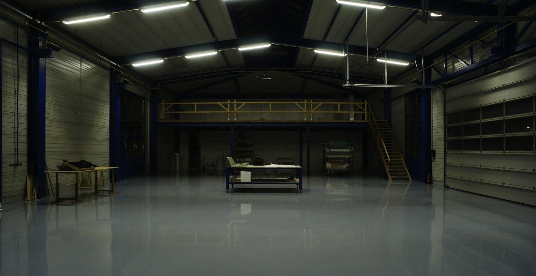 Die Light-Booster-Technik von Ecocan kommt bereits bei Leuchtstoffröhren zum Einsatz – meist in Fabrikhallen. So lässt sich bis zu 55 Prozent Energie sparen.