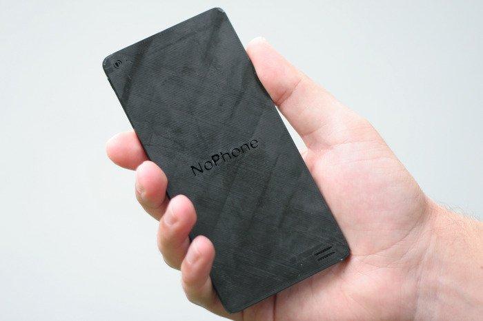 Das NoPhone ist das sicherste Smartphone aller Zeiten. Es ist sogar für die NSA nicht zu knacken Denn es kann nichts. Und ist nicht mehr als ein simpler Plastikblock im Smartphone-Format.