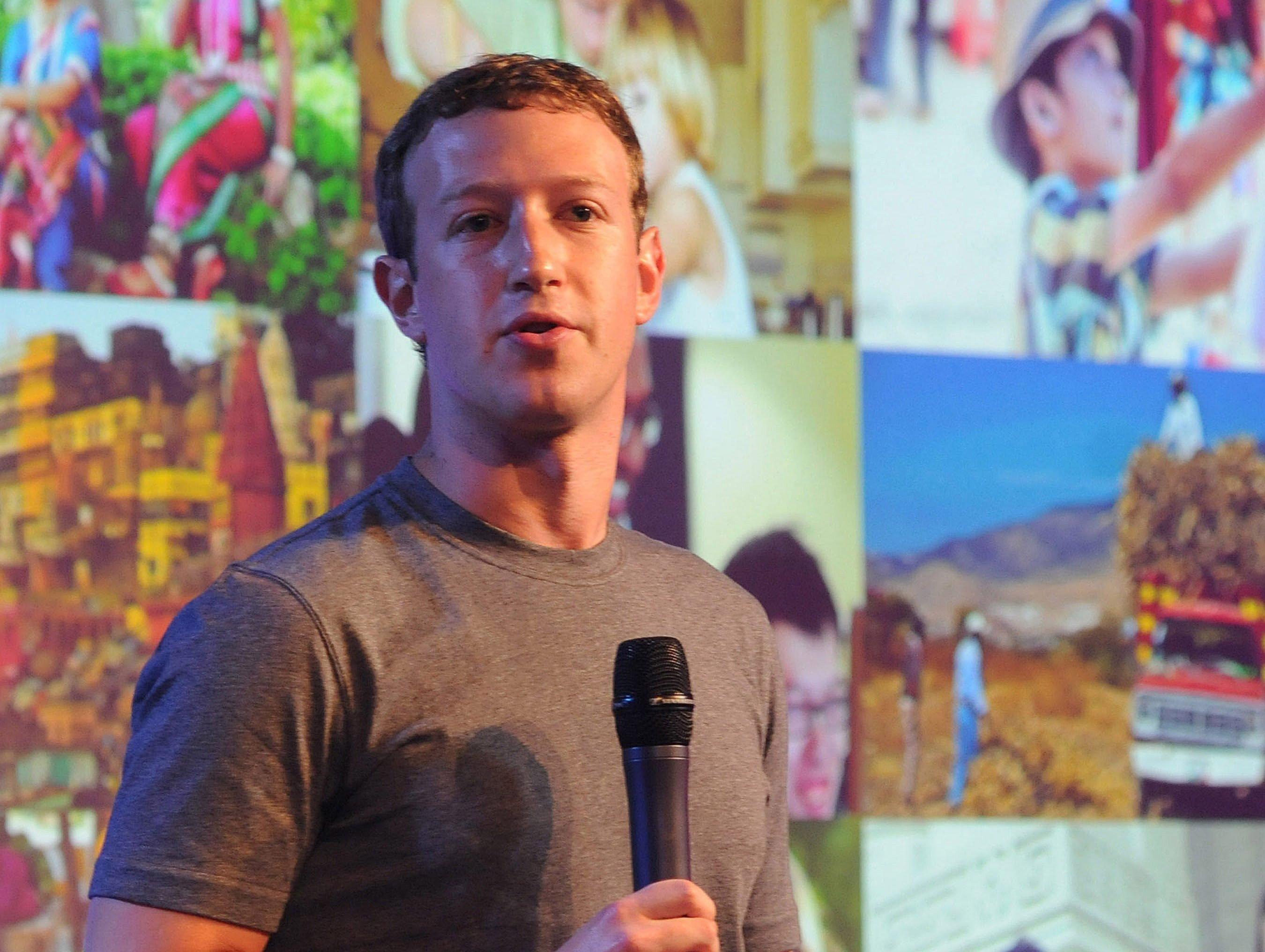 Facebook-Gründer MarkZuckerberg auf einem Internettreffen Anfang Oktober in Neu Delhi: Jetzt wirbt Zuckerberg bei Internetnutzern um Vertrauen, die per Tor-Netzwerk anonym im Internet unterwegs sind.