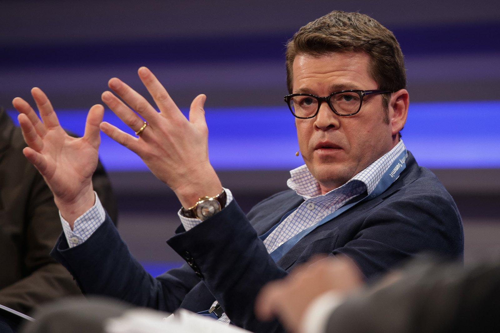 Auch Ex-Bundesverteidigungsminister Karl-Theodor zu Guttenberg meldete sich beimCyber Security Summit zu Wort und plädierte für eine stärkeretransatlantische Zusammenarbeit.