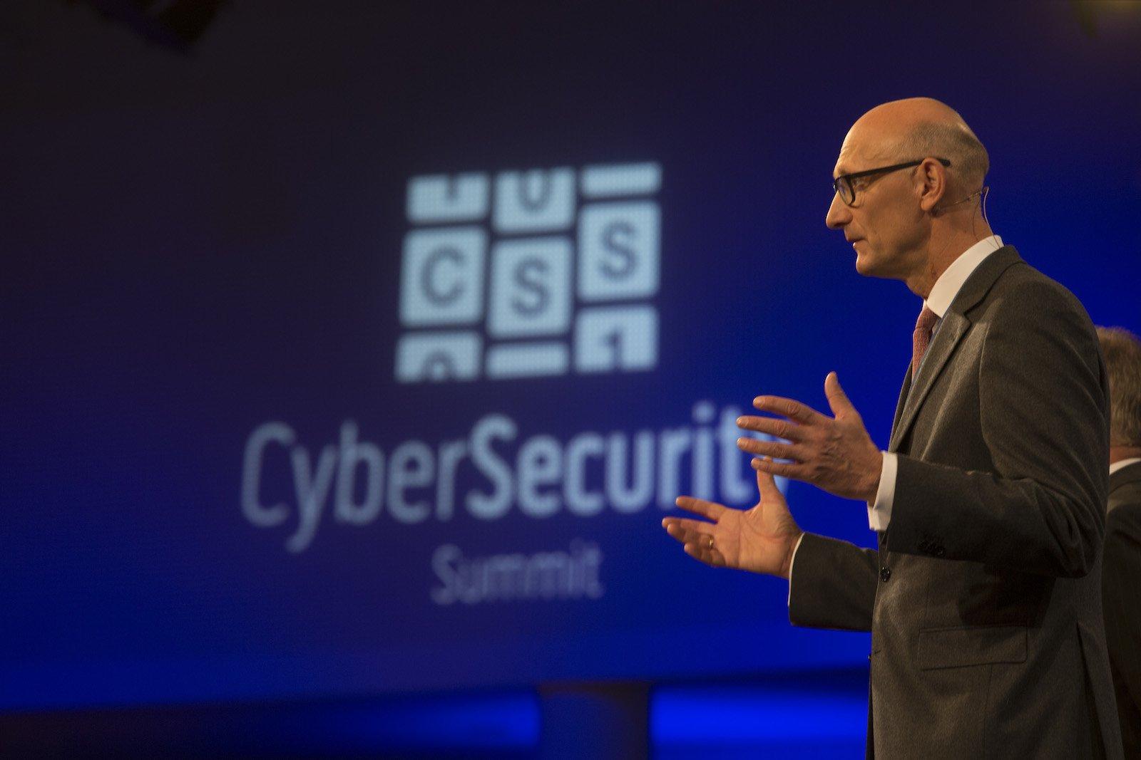 Telekom-Chef Timotheus Höttges eröffnete denCyber Security Summit.
