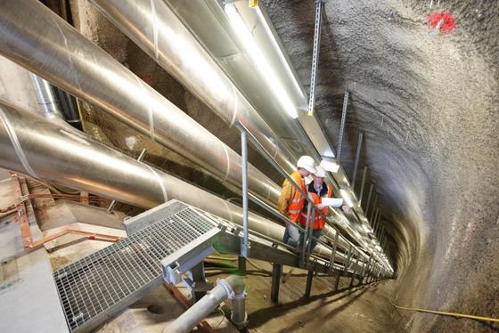 Hochspannungsleitung in einem Tunnel: Solche Leitungen sind in Deutschland nur in Berlin im Einsatz.
