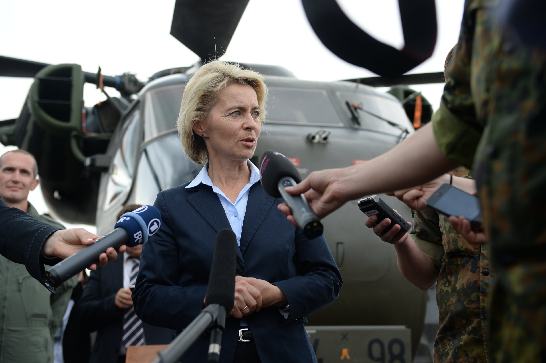 Bundesverteidigungsministerin Ursula von der Leyen (CDU) muss sich viele unangenehme Fragen wegen der maroden Ausrüstung der Bundeswehr. gefallen lassen