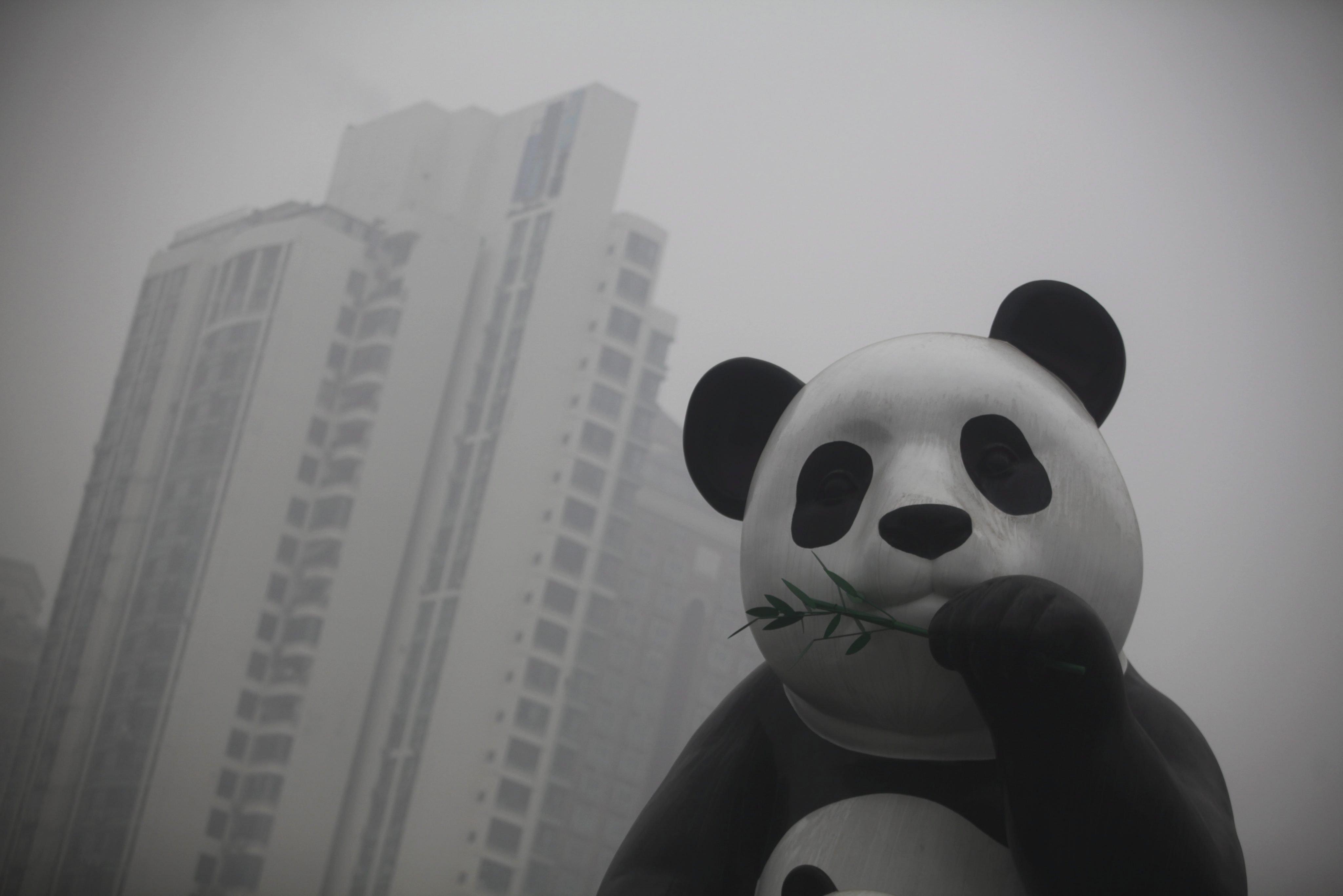 Seit 1990 hat sich der Ausstoß an Treibhausgasen in China versechsfacht. Das macht Städte wie Peking fast unbewohnbar. Jetzt hat sich China verpflichtet, wenigstens ab 2030 den CO2-Ausstoßstabil zu halten, kündigte Staatschef Xi Jinping an.