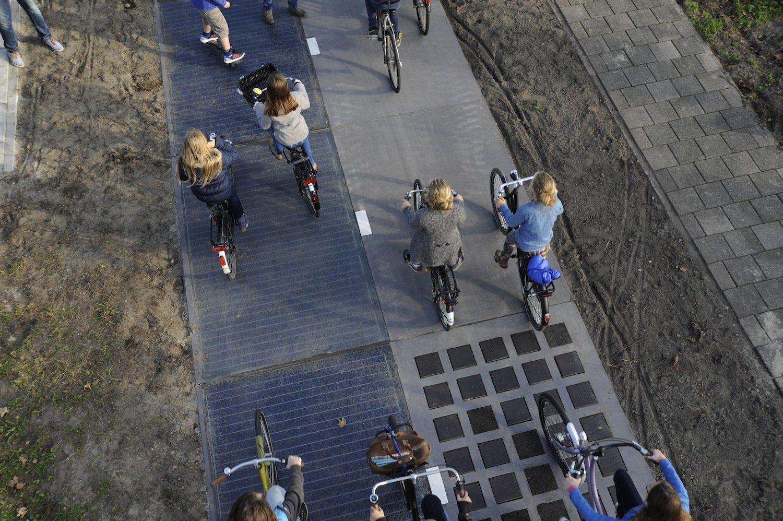 Der Fahrradweg hat die letzten 16 Tage schon Strom erzeugt – 140 Kilowattstunden, das reicht für 140 Waschgänge einer Geschirrspülmaschine.