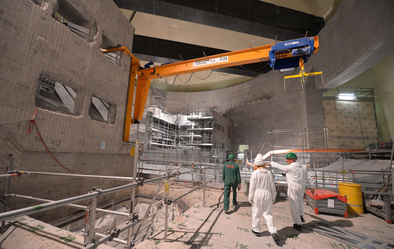 Mitarbeiter beim Rückbau des Atomkraftwerks in Stade (Niedersachsen). Laut IEA liefern erneuerbare Energien bis zum Jahr 2040 fast ein Fünftel der weltweit verbrauchten Primärenergie.