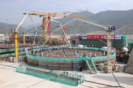 Der chinesische Produzent CGN beim Bau des sechsten Reaktors für das Kernkraftwerk in Yangjiang. Bis 2040 investiert China laut IEA rund 132 Milliarden Euro in Kapazitätserweiterungen.