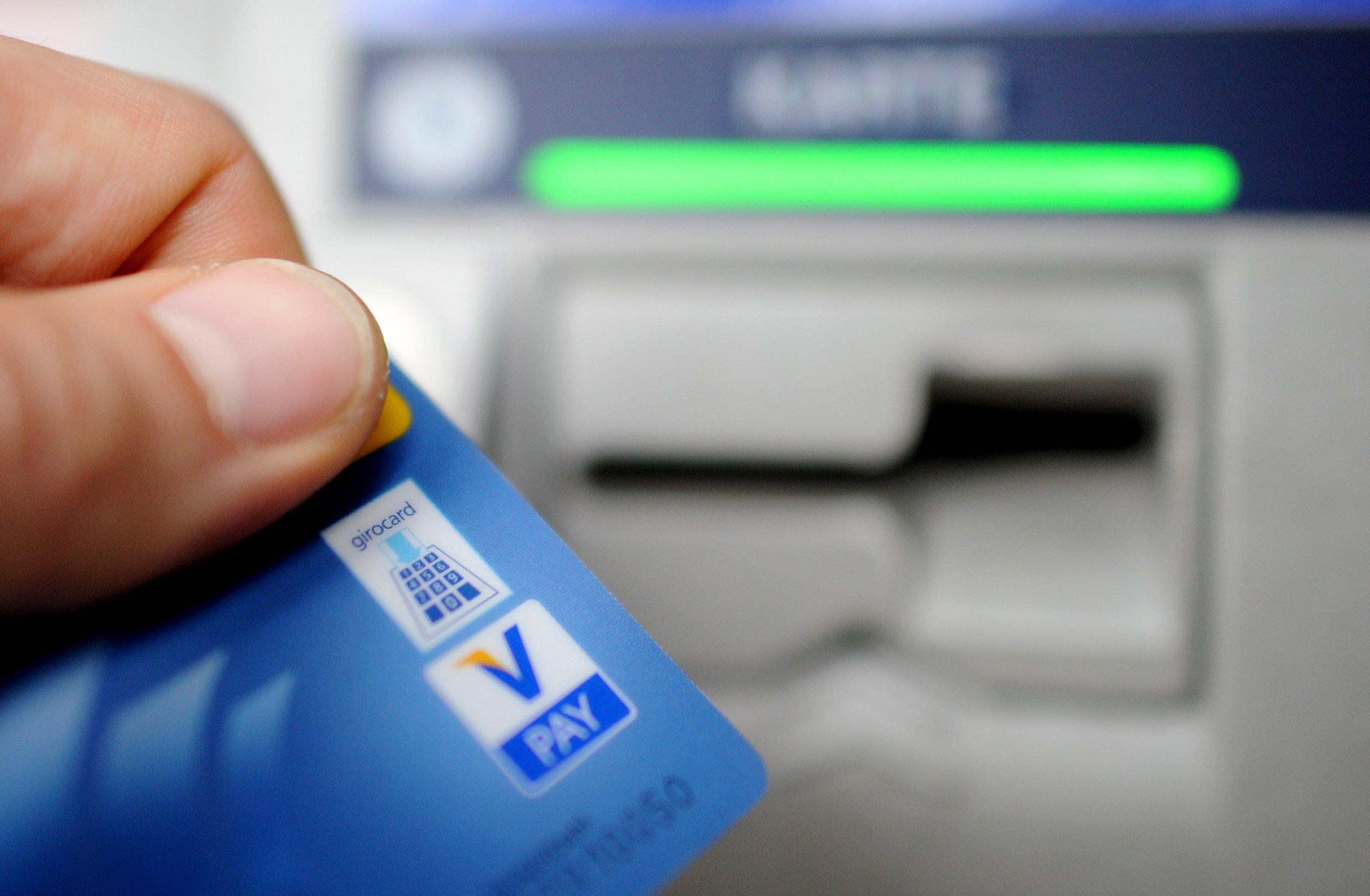 Durch eine Cyber-Attacke auf die Rechenzentren der Banken könnte es auch zu einem Ausfall der Geldautomaten kommen.